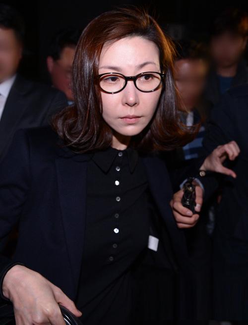 sung hyun ah nghen ngao sau phien xu ban dam - 6