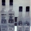 """Mua sắm - Giá cả - Phát hiện hàng loạt chai Men's Vodka bị làm """"nhái"""""""