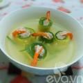 Bếp Eva - Canh bí ngòi cuộn tôm thanh mát