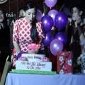 Làng sao - Phi Nhung thổi nến sinh nhật ngay trên sân khấu