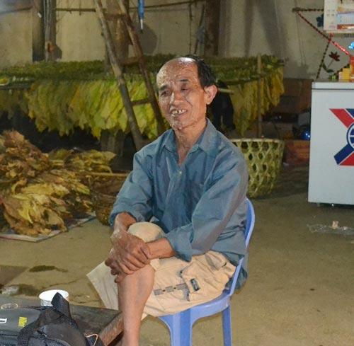 """nguoi dan ong deo """"tui thit"""" di thuong o cao bang - 1"""