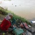 Tin tức - Xé lòng nhìn thi thể bé 3 tuổi trôi trên sông Sài Gòn