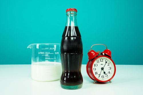 Cẩn thận cho con uống sữa kèm nước có ga-1