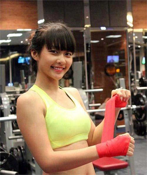 8 hot girl Việt luôn tự tin để mặt mộc - 7
