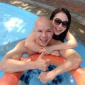 Làng sao - Phan Đinh Tùng ngọt ngào bên vợ trẻ