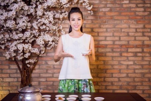 Hoa hậu Thu Hoài đẹp bất chấp tuổi 37-7