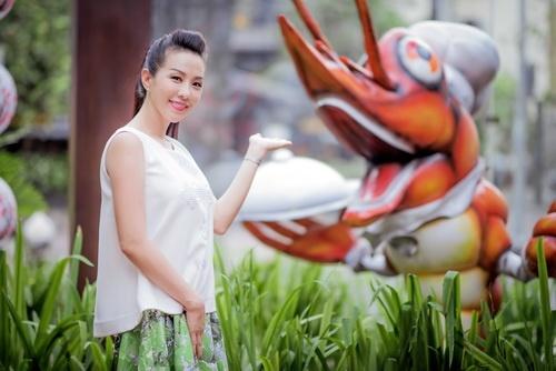 Hoa hậu Thu Hoài đẹp bất chấp tuổi 37-9