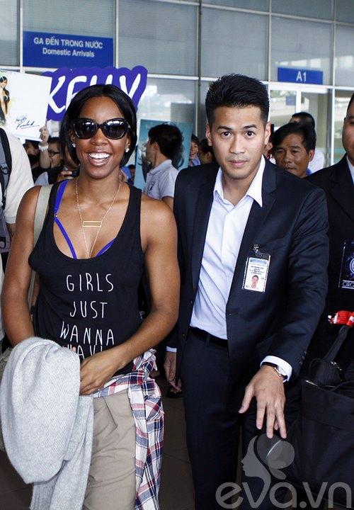 Em chồng Hà Tăng bảnh bao đón Kelly Rowland-5