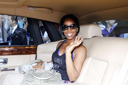 Em chồng Hà Tăng bảnh bao đón Kelly Rowland-10