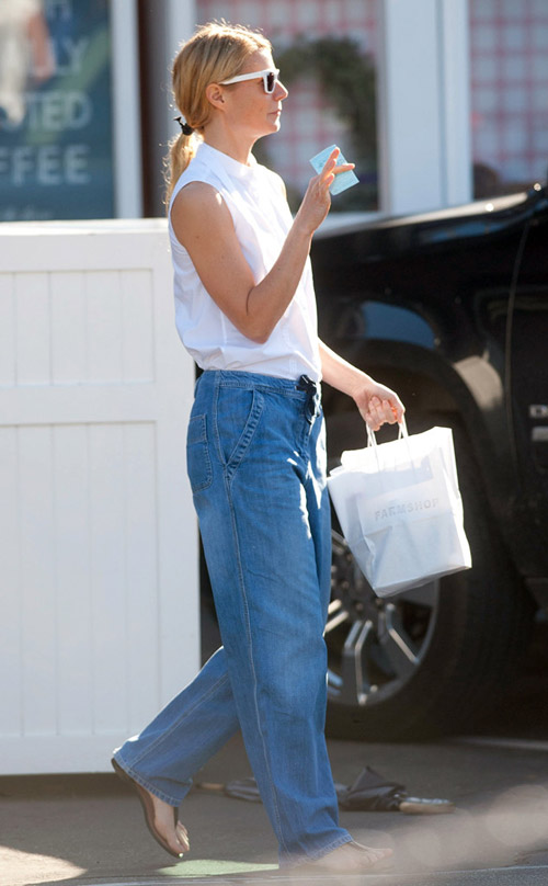 Mặc quần jeans của mẹ, bạn có dám?-13