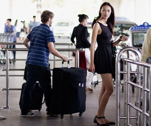 Huyền Trang quyết tâm phát triển sự nghiệp ở Singapore-9