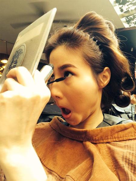 Hoa hậu Diễm Hương say xỉn khi đi nhậu-12