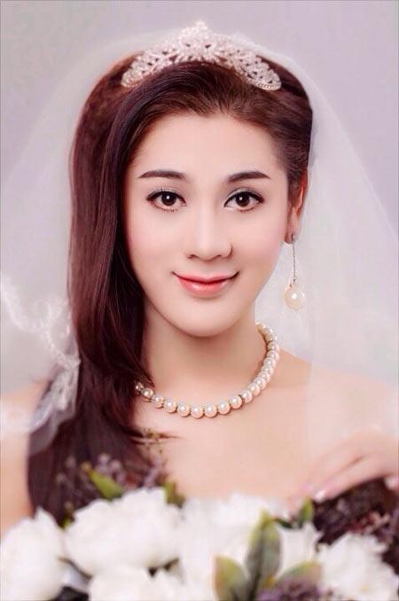 Hoa hậu Diễm Hương say xỉn khi đi nhậu-11