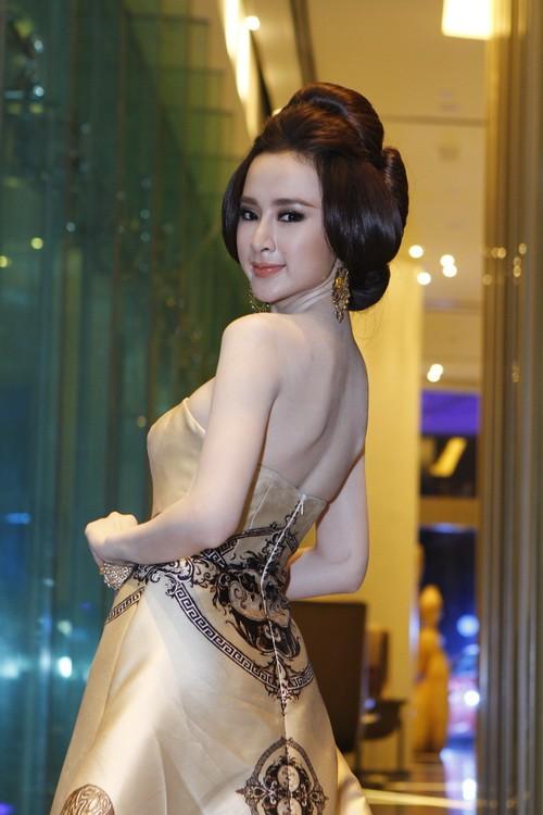 """angela phuong trinh """"quyen luc"""" voi vay hoa tiet hai ba trung - 4"""