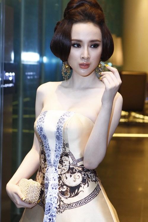 """angela phuong trinh """"quyen luc"""" voi vay hoa tiet hai ba trung - 9"""
