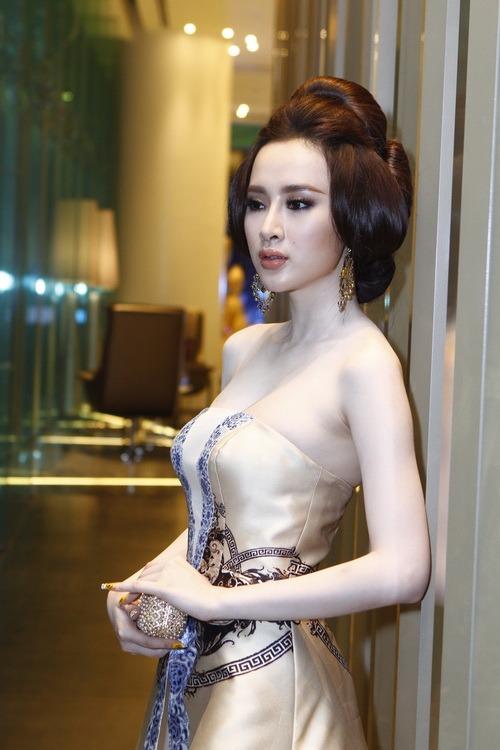 """angela phuong trinh """"quyen luc"""" voi vay hoa tiet hai ba trung - 12"""