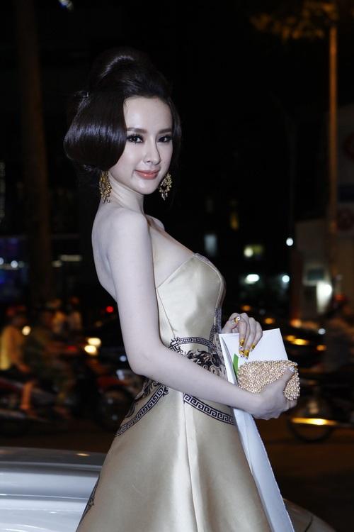 """angela phuong trinh """"quyen luc"""" voi vay hoa tiet hai ba trung - 2"""