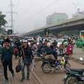 Tin tức - Dòng người ùn ùn rời Thủ đô về quê nghỉ lễ