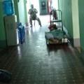 Tin tức - TP.HCM: Côn đồ đại náo bệnh viện, tấn công cảnh sát 113