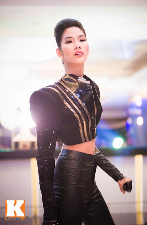 diem huong rang ro tai xuat sau scandal - 14