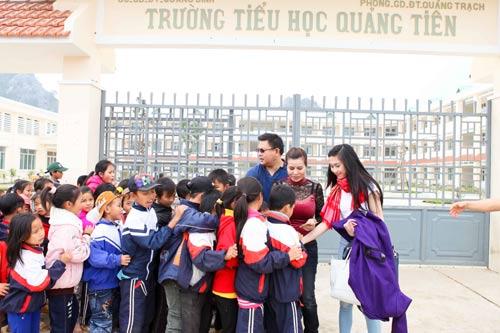 ts kim hong chia se ky niem ve que huong - 4