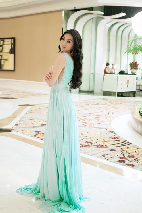 hh michelle nguyen bat ngo long lay nhu cong chua - 4