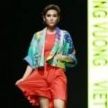Thời trang - Hoàng yến lộ điểm nhạy cảm trên sàn catwalk