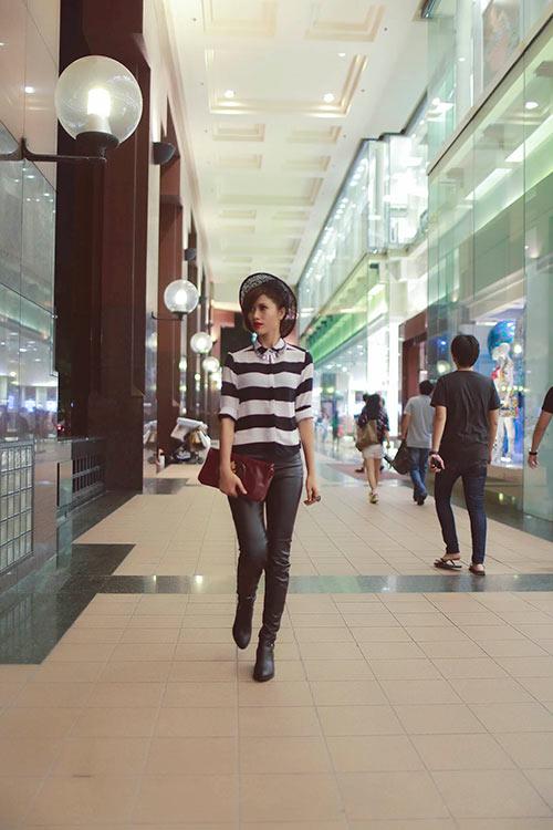 trang la phoi do an tuong xem show tai singapore - 1