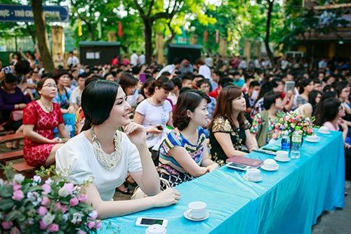 ngoc han hanh phuc ve tham truong cu - 4