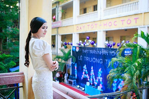 ngoc han hanh phuc ve tham truong cu - 3