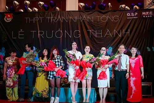 ngoc han hanh phuc ve tham truong cu - 11