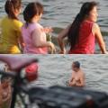 Tin tức - Người Hà Nội tắm sông, hồ giải nhiệt