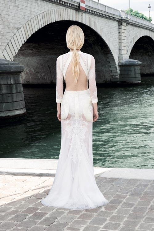 Kim 'siêu vòng 3' diện váy cưới Givenchy lộng lẫy - 6