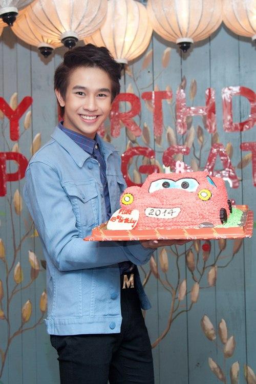 Yến Trang gợi cảm bên hot boy phim đồng tính Thái-6
