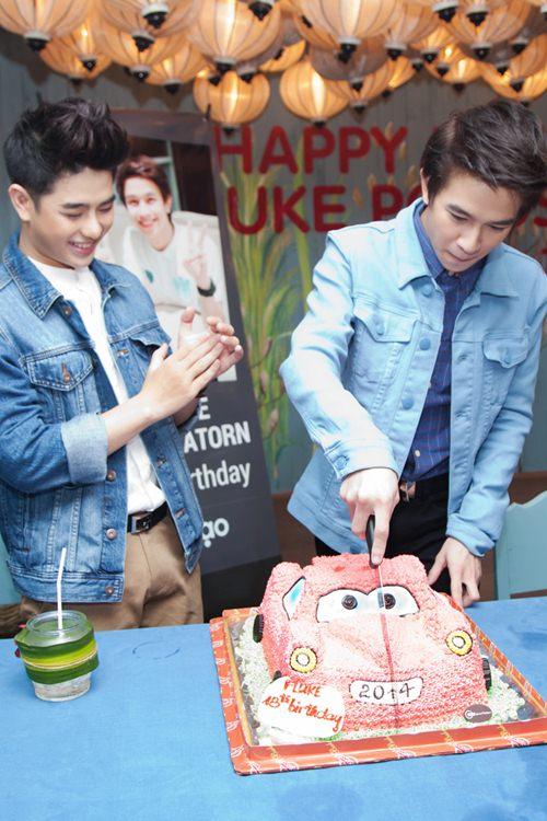 Yến Trang gợi cảm bên hot boy phim đồng tính Thái-9