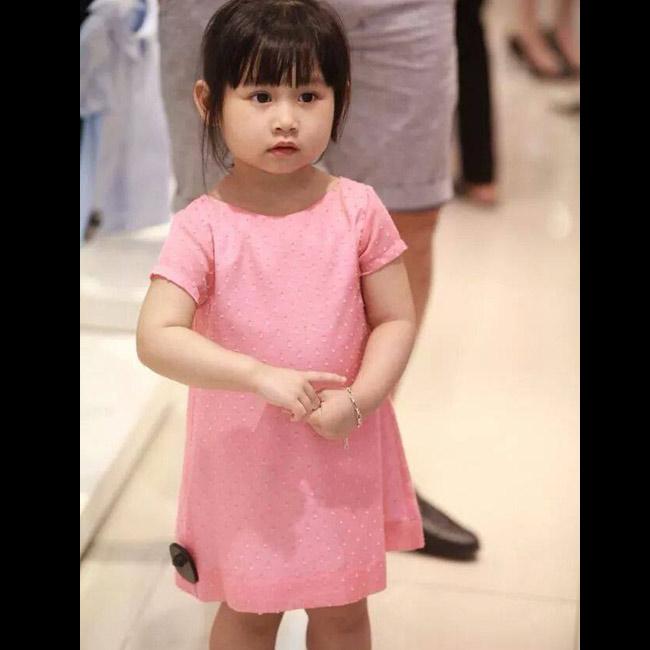 Ngỡ ngàng con gái Minh Tiệp quá xinh