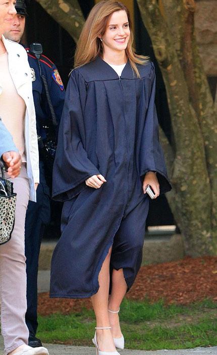 Emma Watson đẹp như tranh ở lễ tốt nghiệp-13