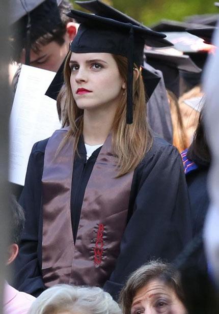 Emma Watson đẹp như tranh ở lễ tốt nghiệp-14