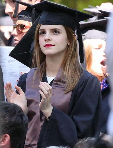 Emma Watson đẹp như tranh ở lễ tốt nghiệp-15