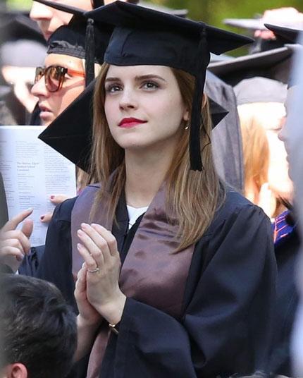 Emma Watson đẹp như tranh ở lễ tốt nghiệp-2