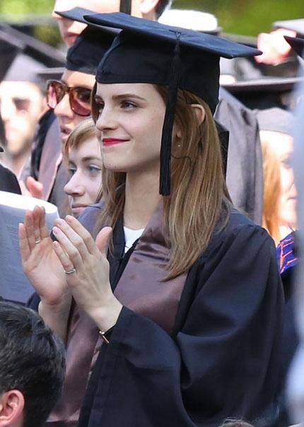 Emma Watson đẹp như tranh ở lễ tốt nghiệp-6