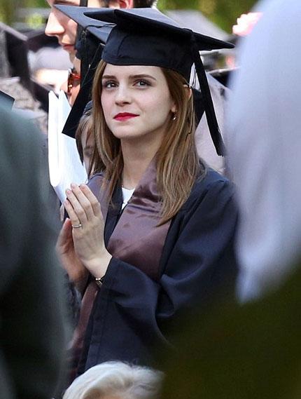 Emma Watson đẹp như tranh ở lễ tốt nghiệp-8