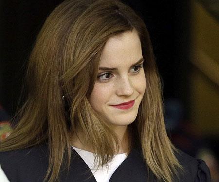 Emma Watson đẹp như tranh ở lễ tốt nghiệp-9