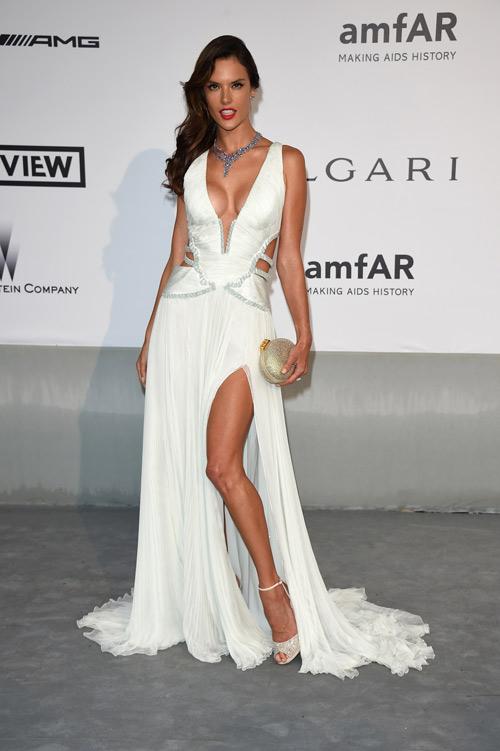 """20 bộ đầm đẹp """"nghẹt thở"""" tại Cannes 2014 - 12"""