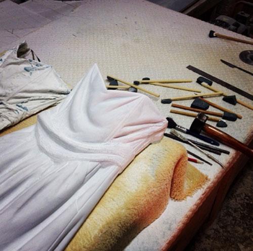 Sửng sốt váy áo siêu mềm làm từ... đá - 17