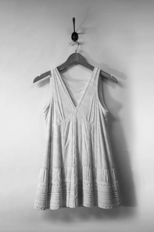 Sửng sốt váy áo siêu mềm làm từ... đá - 2