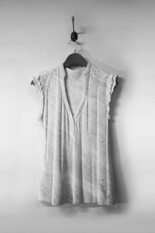 Sửng sốt váy áo siêu mềm làm từ... đá - 5