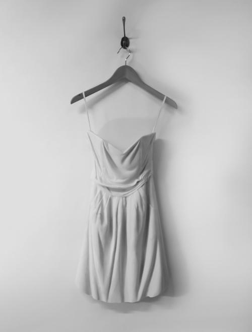 Sửng sốt váy áo siêu mềm làm từ... đá - 6