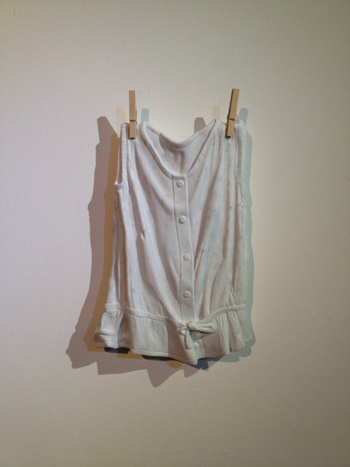 Sửng sốt váy áo siêu mềm làm từ... đá - 8