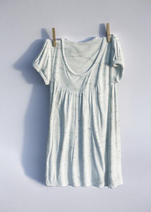 Sửng sốt váy áo siêu mềm làm từ... đá - 9